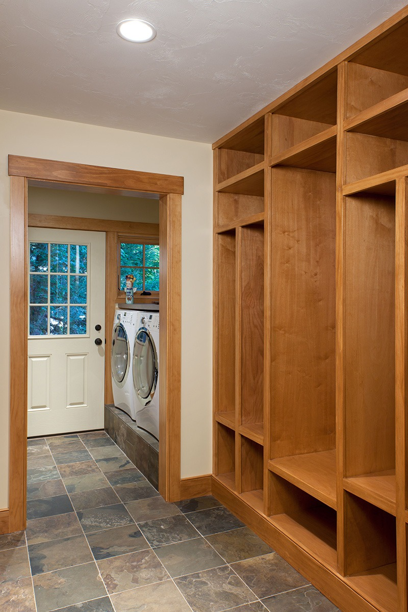 Laundry Room, Built-in bunk bed